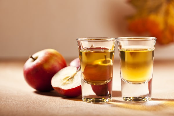 apple cider vinegar for treatment of toe nail fungus
